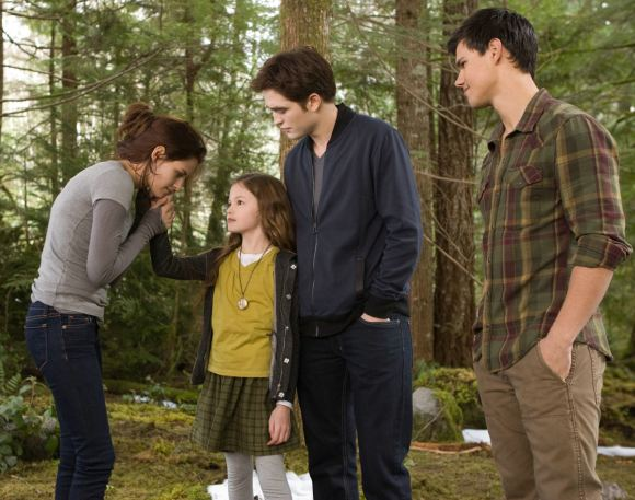 Breaking Dawn 2 Edward Bella Jacob Renesmee Breaking Dawn 2: Kompletter finaler Trailer!