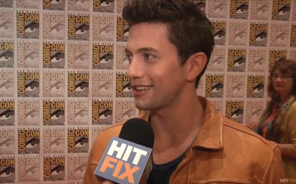 Jackson Rathbone Hitfix Comic Con Jackson Rathbone: Breaking Dawn Spoiler strengstens verboten!