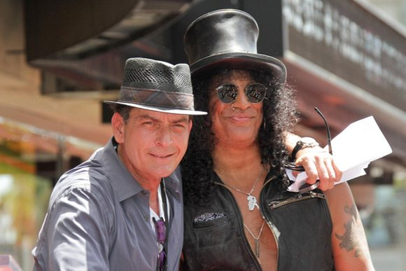 Slash Star Walk of Fame Charlie Sheen 7 Charlie Sheen röstet Axl Rose bei Slashs Walk Of Fame Zeremonie