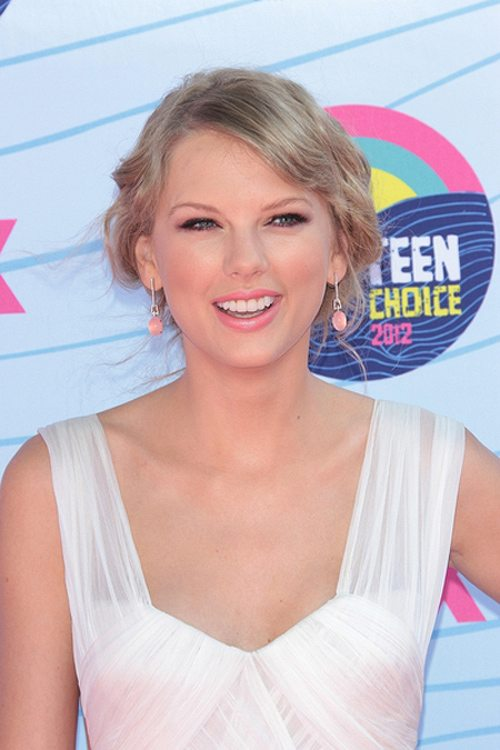 Taylor Swift Teen Choice Awards 2012 2 Taylor Swift stellt Conor Kennedy ihren Eltern vor