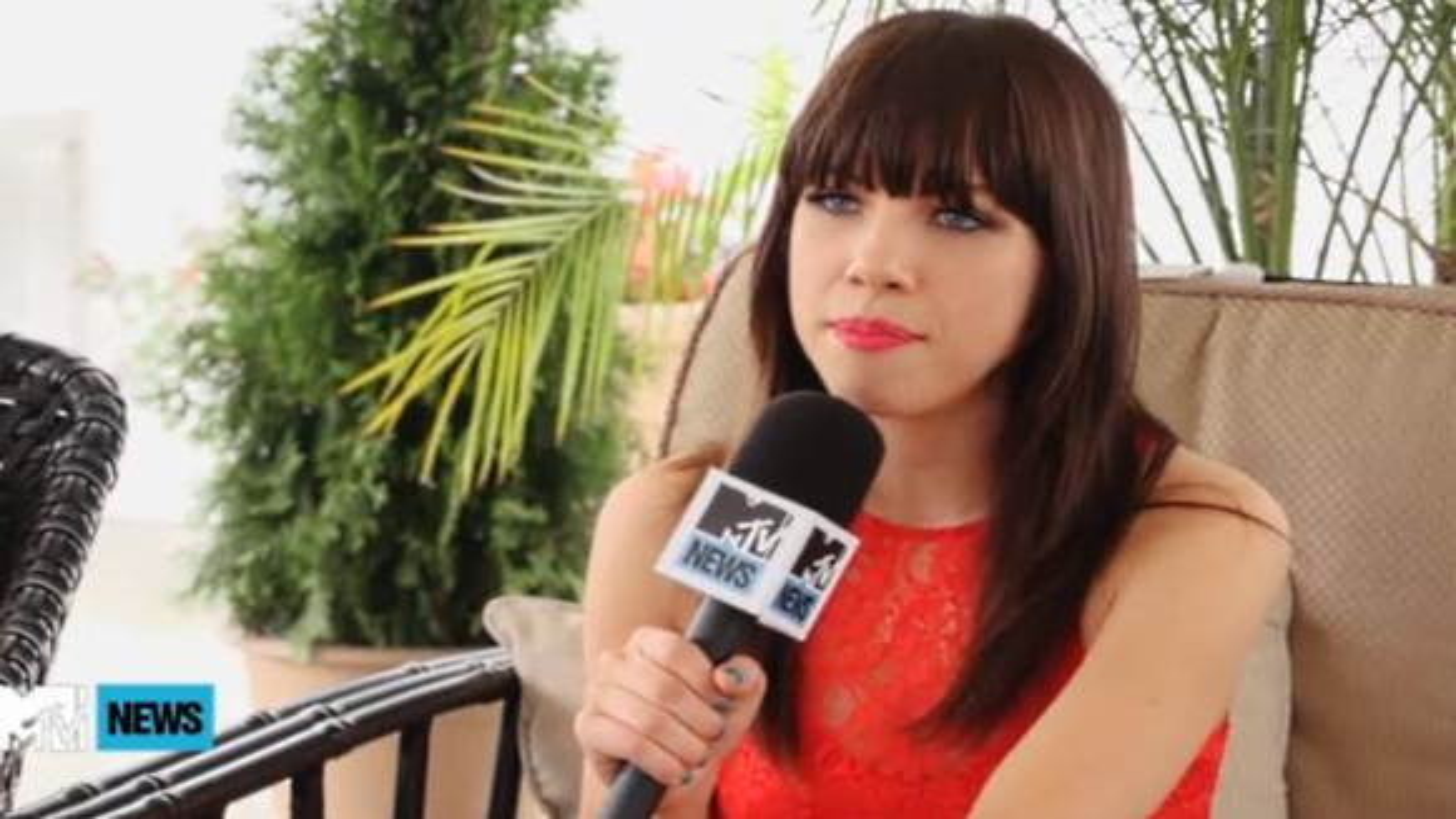 Carly-Rae-Jepsen-MTV-Interview-Justin-Bieber-Tour