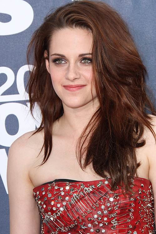 Kristen Stewart MTV Movie Awards 2011 Kristen Stewart zur Twilight Promotion in Japan gelandet!