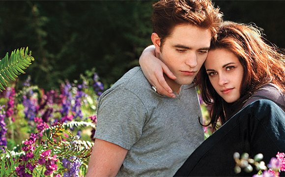 Robert-Pattinson-Kristen-Stewart-Edward-bella-Breaking-Dawn-2