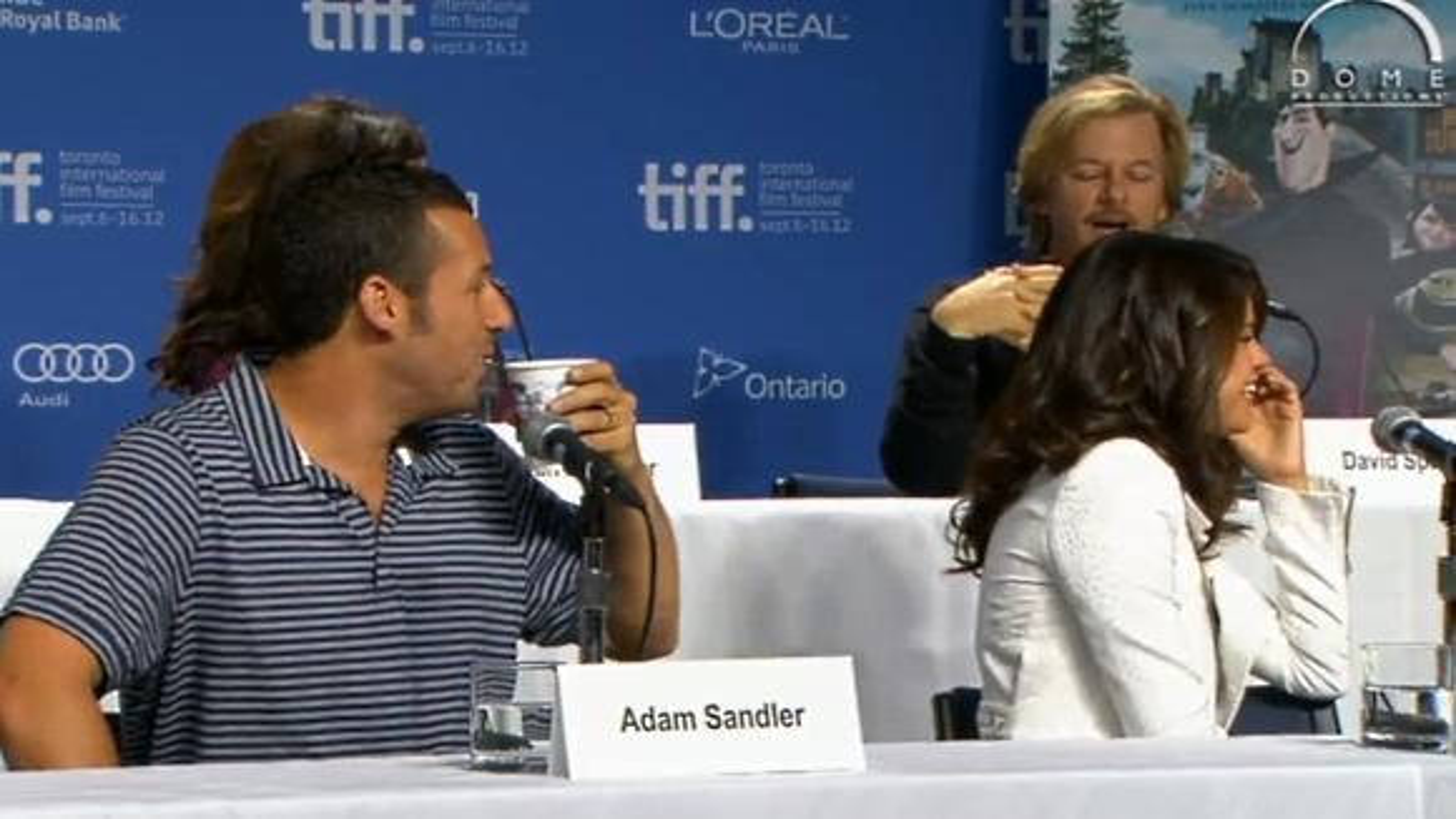Adam-Sandler-Selena-Gomez-Hotel-Transilvanien-Pressekonferenz