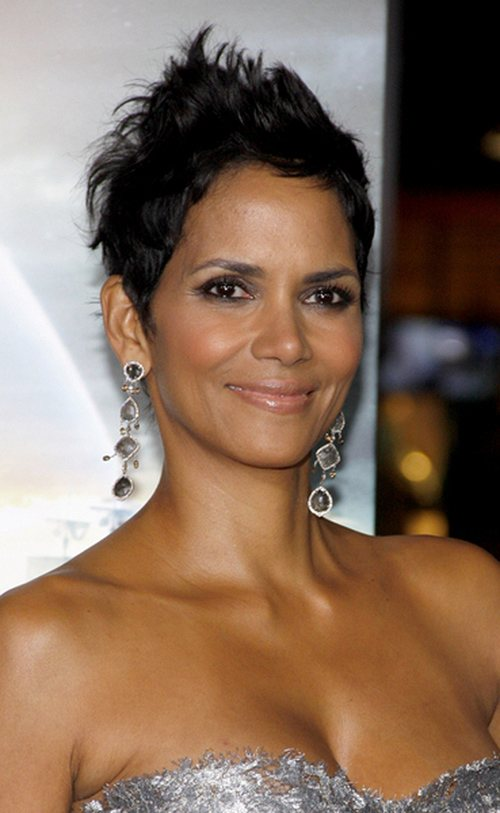Halle-Berry-Cloud-Atlas-Premiere-2