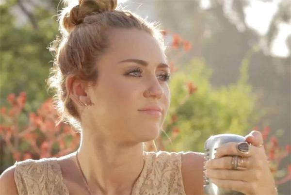 Miley-Cyrus-Backyard-Sessions-Look-What-Theyve-Done-To-My-Song