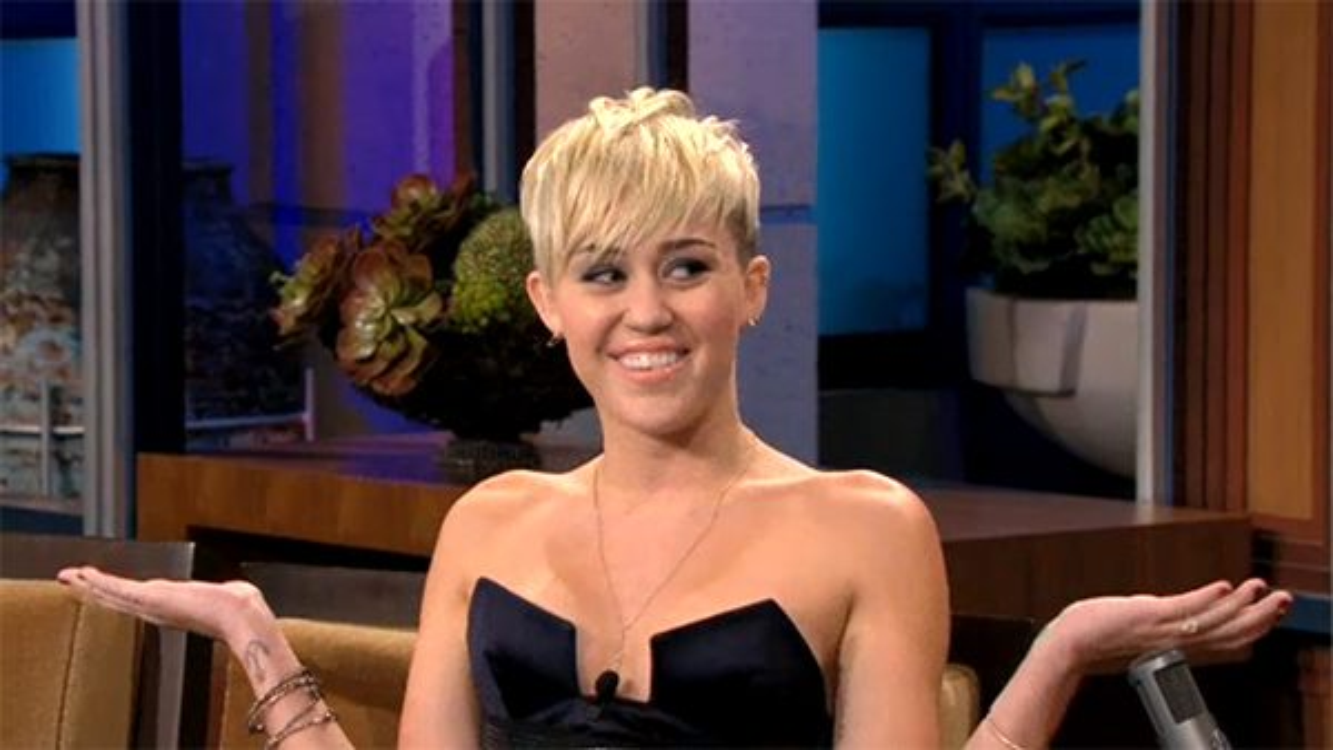 Miley-Cyrus-Jay-Leno