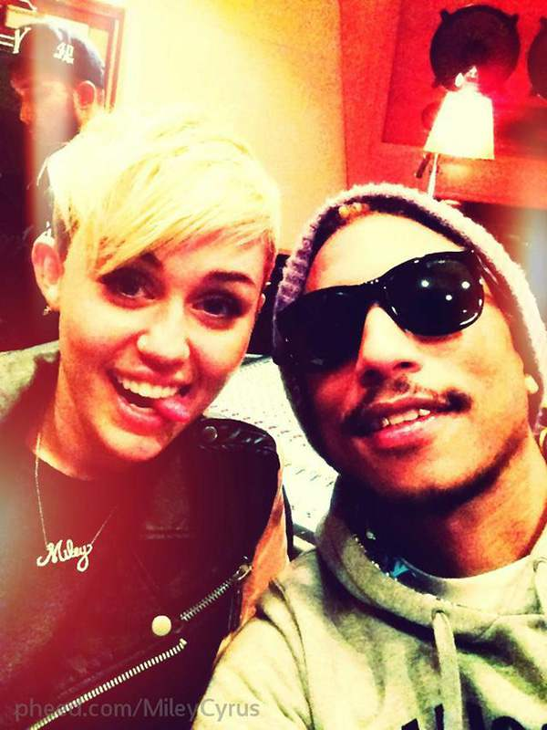 Miley-Cyrus-Pharrell-Williams-Studio-Oktober-2012-3