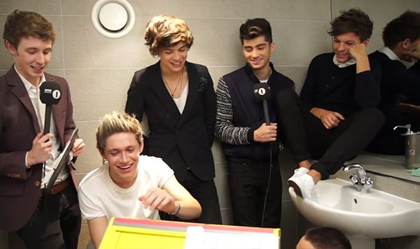 One Direction Interview Toilette One Direction: Interview auf einer Toilette