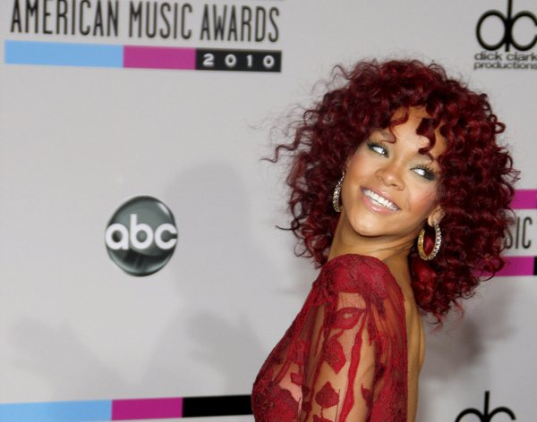 Rihanna American Music Awards 2010 American Music Awards: Nominierungen für Rihanna, Justin Bieber & One Direction