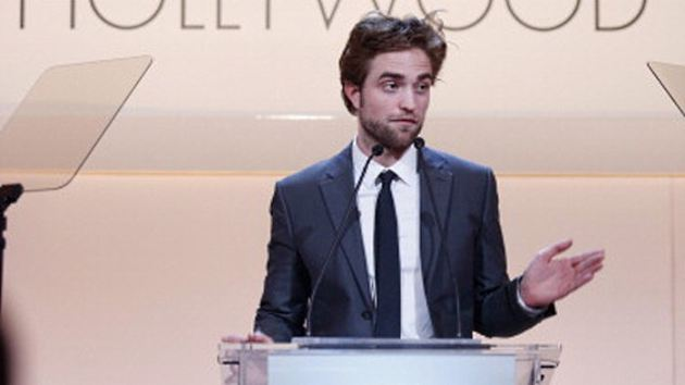 Robert Pattinson Women in Hollywood Event 2012 Uma Thurman Robert Pattinson hat sich in die Hosen gemacht wegen Uma Thurman