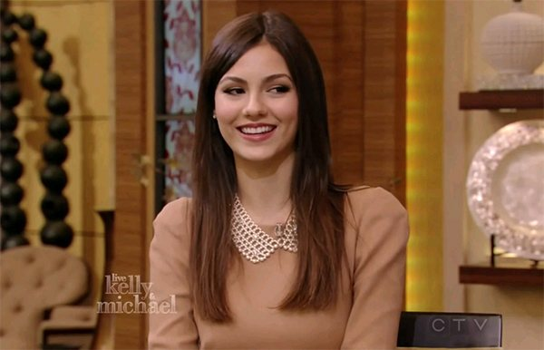 Victoria Justice Live with Kelly and Michael Victoria Justice: Neues Haus mit Pool und Jacuzzi