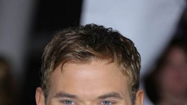 Kellan-Lutz-Breaking-Dawn-2-Weltpremiere-Los-Angeles-3