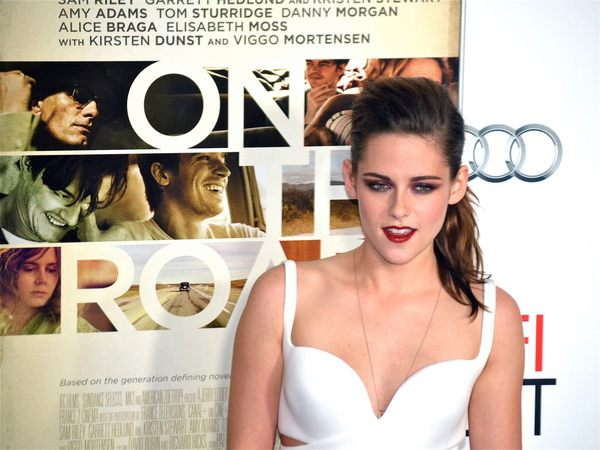 Kristen-Stewart-On-The-Road-US-Premiere-Los-Angeles