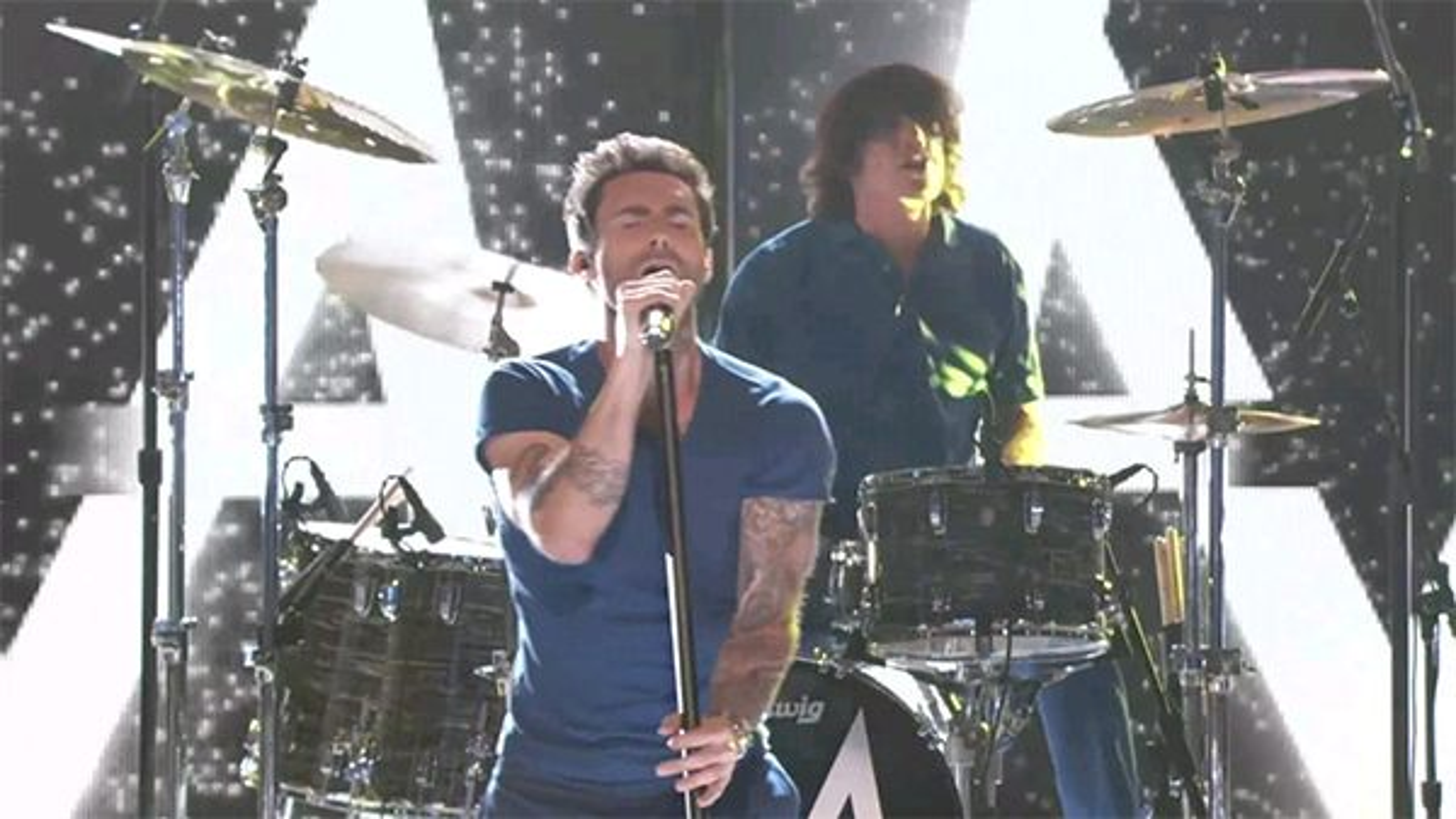 Maroon-5-Daylight-The-Voice