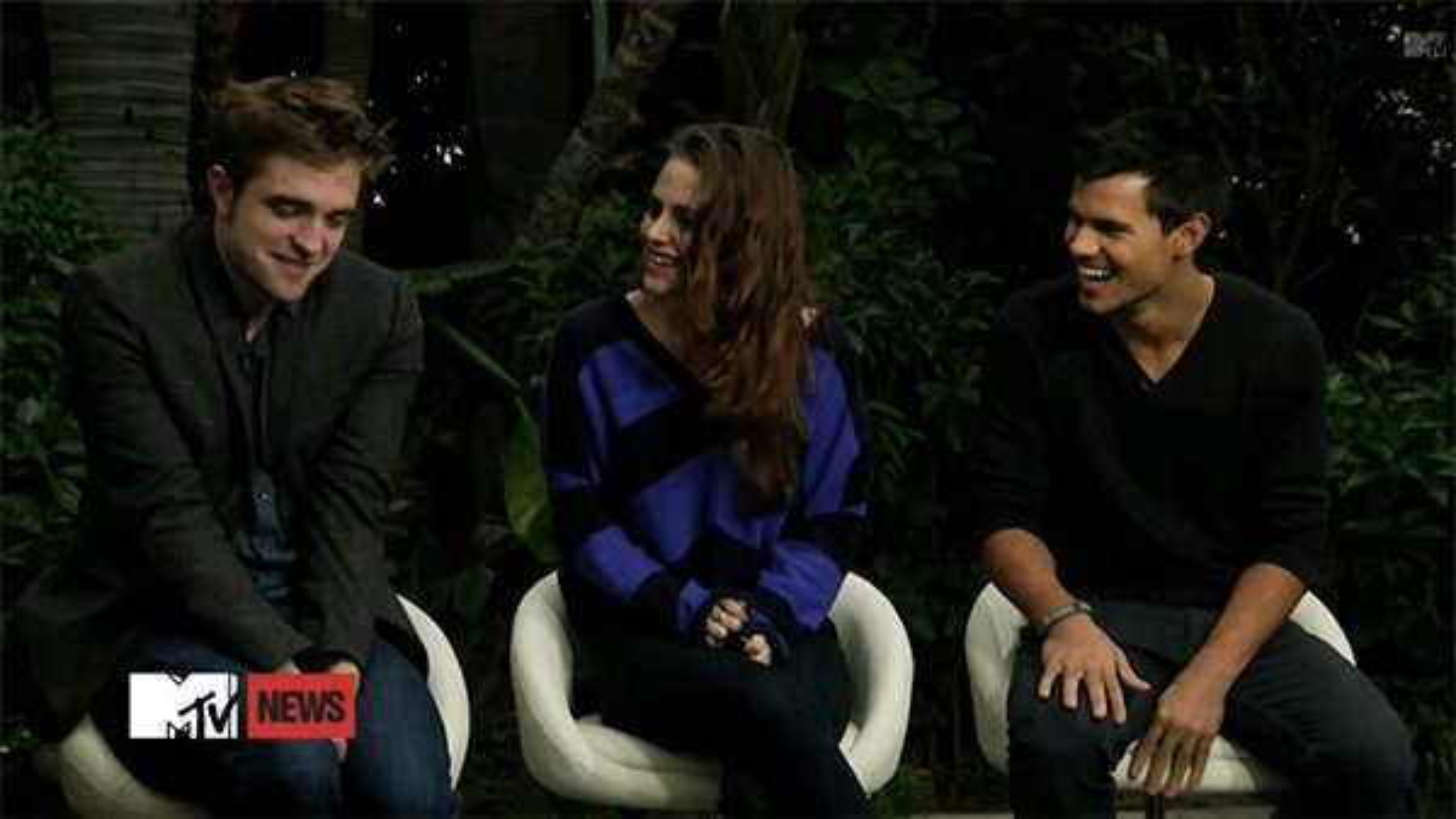 Robert-Pattinson-Kristen-Stewart-Taylor-Lautner-MTV-First-Breaking-Dawn-2