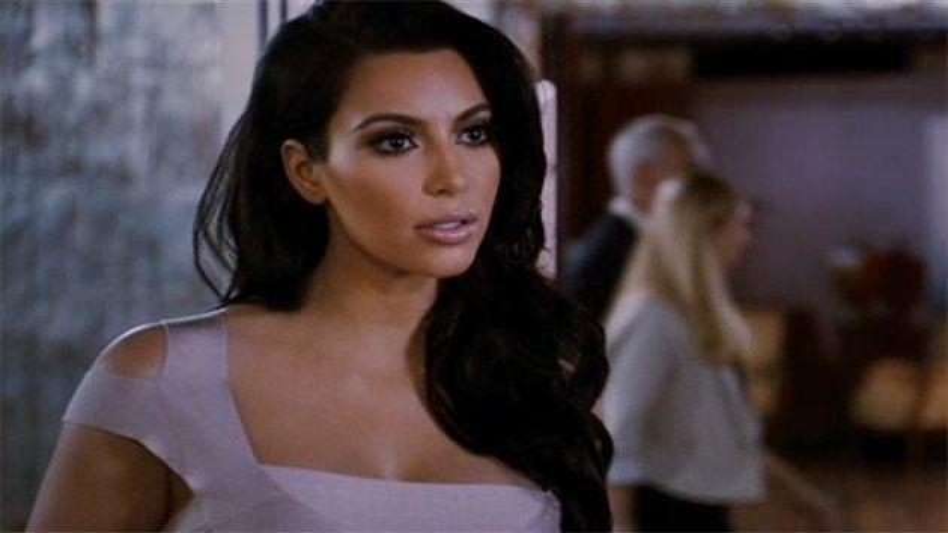 Kim-Kardashian-Trailer-Temptation