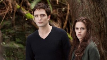 Robert Pattinson Kristen Stewart Breaking Dawn 2 Still