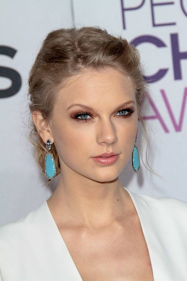 Peoples-Choice-Awards-2013-Taylor-Swift-3