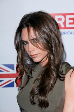 Victoria-Beckham-Oscar-Party-2012-250x375
