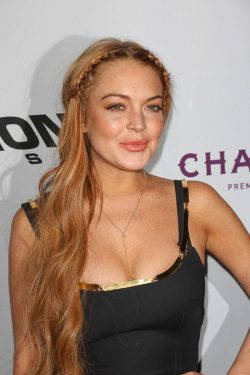 Lindsay-Lohan-Scary-Movie-LA-Premiere-3-250x375
