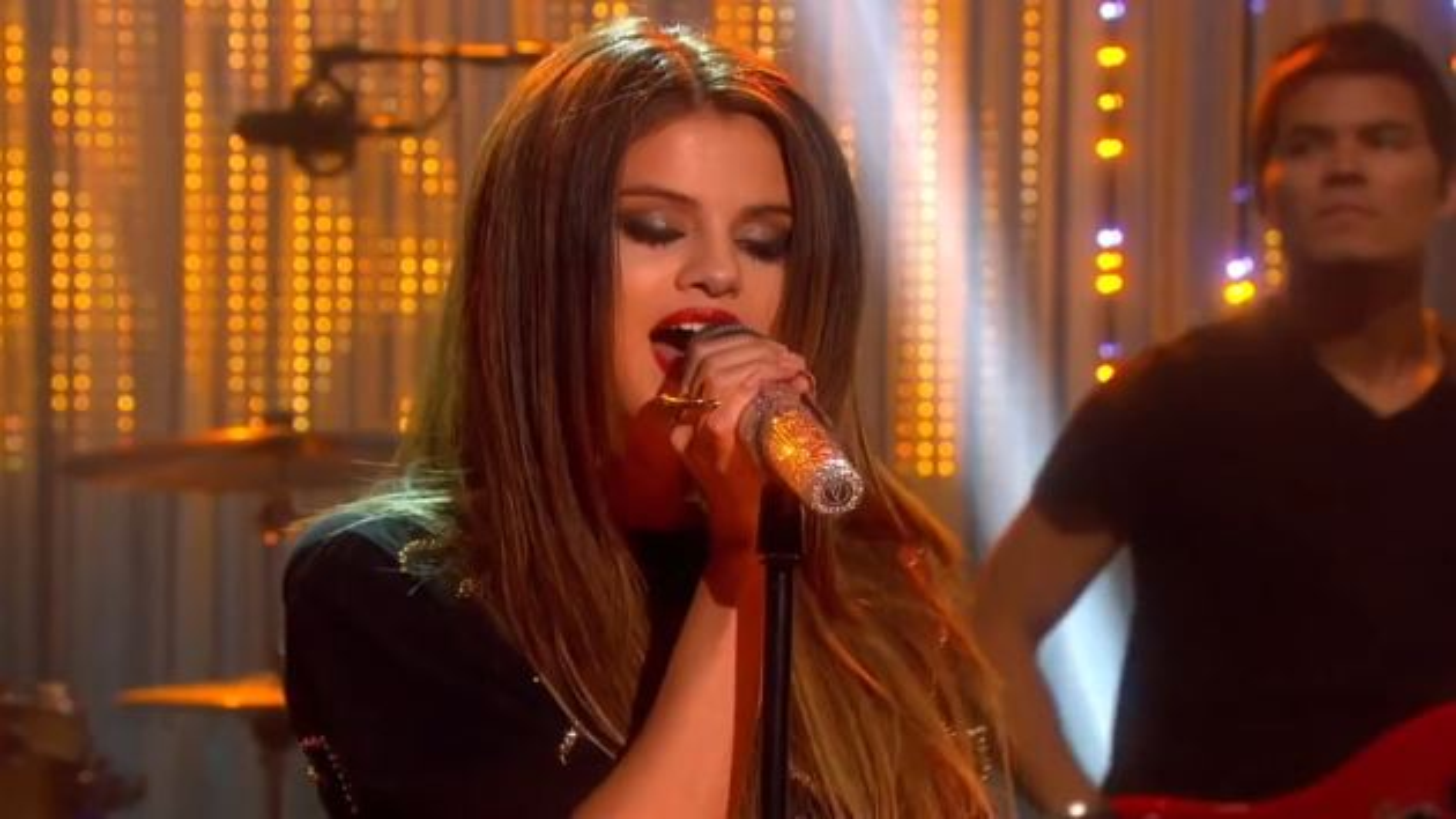 Selena-Gomez-Graham-Norton-SHow
