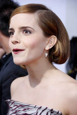 Emma-Watson-This-Is-The-End-Premiere-Los-Angeles-3-250x375