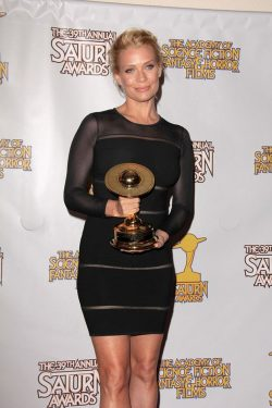Laurie-Holden-Saturn-Awards-2013-250x375