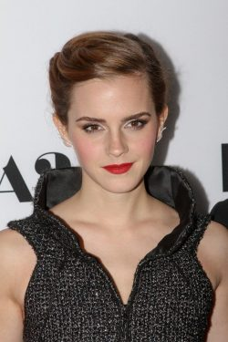 The-Bling-Ring-Premiere-Los-Angeles-Emma-Watson-2-250x375