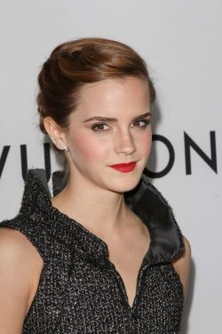 The-Bling-Ring-Premiere-Los-Angeles-Emma-Watson-3-250x375