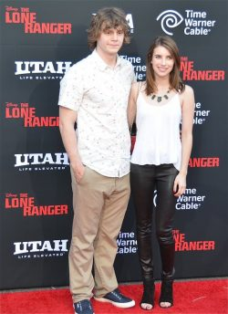 The-Lone-Ranger-Weltpremiere-Emma-Roberts-Evan-Peters-250x344