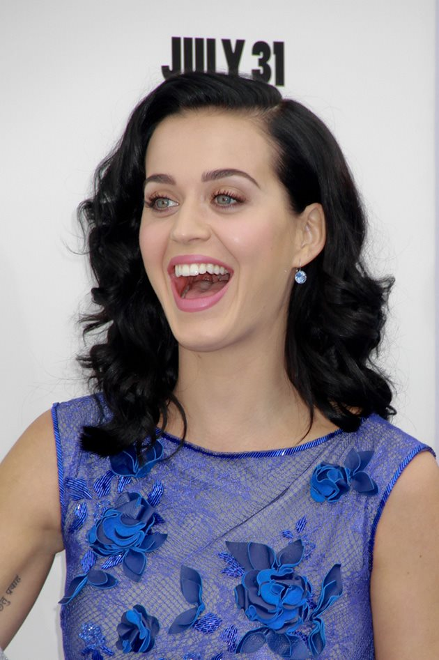 Katy-Perry-The-Smurfs-Premiere-Los-Angeles-8