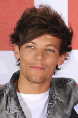 One-Direction-This-Is-Us-Photocall-London-Louis-Tomlinson-250x376