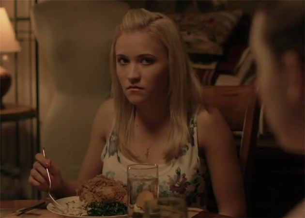 Emily Osment Kiss Me Trailer Foto