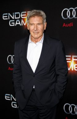 Enders-Game-Premiere-Asa-Butterfield-Harrison-Ford-1-250x386