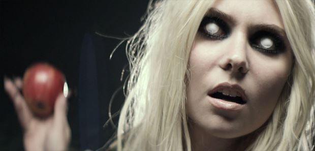Taylor-Momsen-The-Pretty-Reckless-Going-to-Hell-Musikvideo