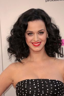 Katy-Perry-American-Music-Awards-2013-11-250x375