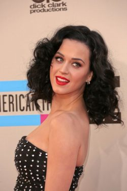 Katy-Perry-American-Music-Awards-2013-2-250x375