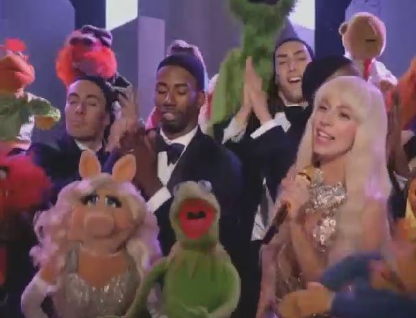 Lady-Gaga-Muppets-Thanksgiving-Special
