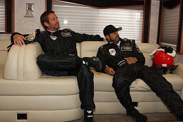 Paul-Walker-Roger-Rodas-Facebook
