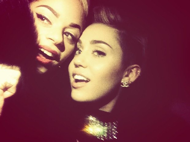 Miley-Cyrus-Silvester-2013-2