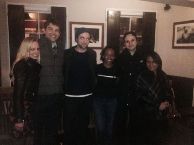 Robert-Pattinson-Schwester-Lizzy-Restaurant-London