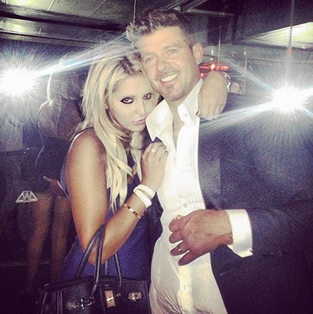 Robin-Thicke-VMA-After-Party-Ass