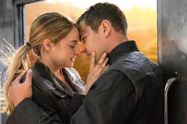 Divergent-Shailene-Woodley-Theo-James-Kiss