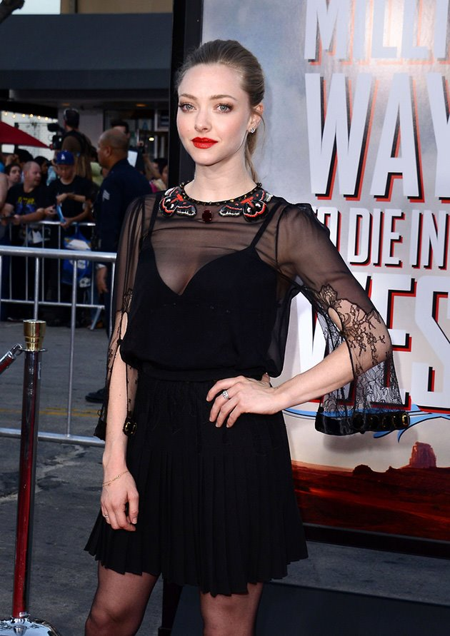 Amanda-Seyfried-A-Million-Ways-to-Die-in-the-West-Premiere-3
