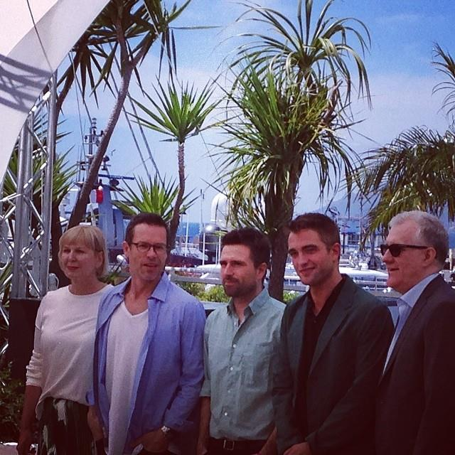 Robert-Pattinson-The-Rover-Photocall-Cannes