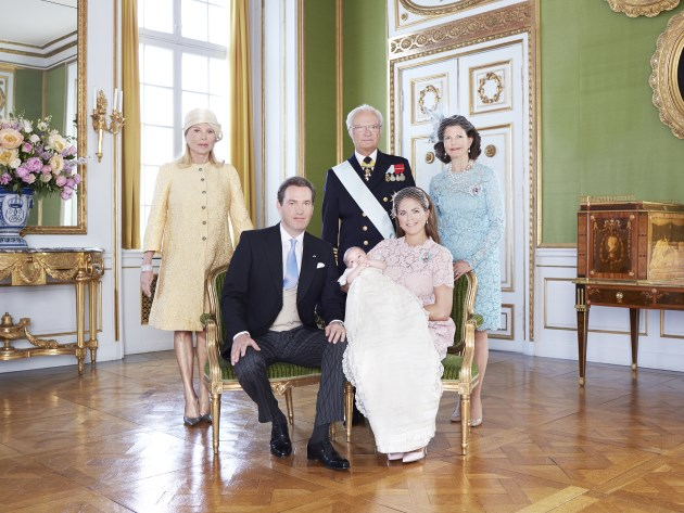 Prinzessin-Madeleine-Leonore-Chris-ONeill-Familienportraits-Drottningholm-2