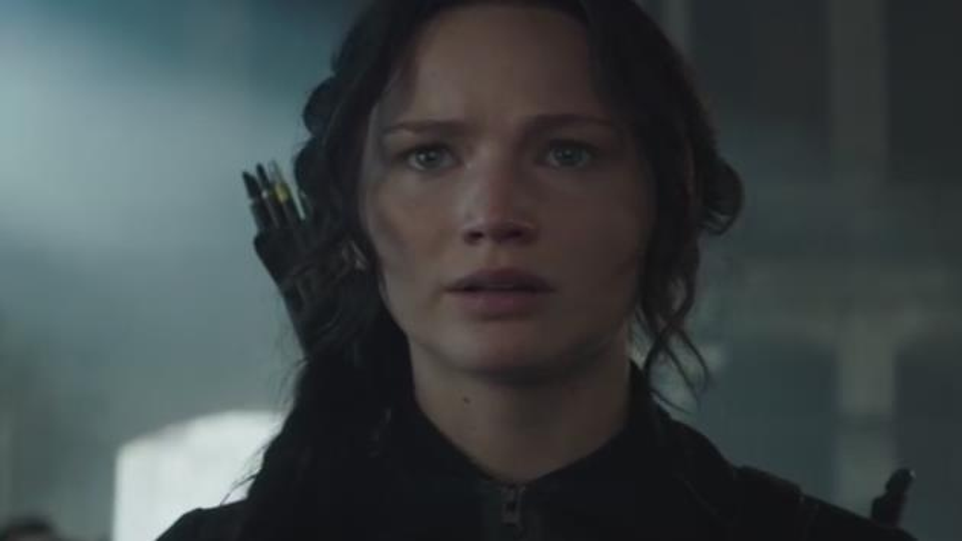 Jennifer-Lawrence-Katniss-Everdieen-Hunger-Games-Mockingjay-Teaser-Trailer