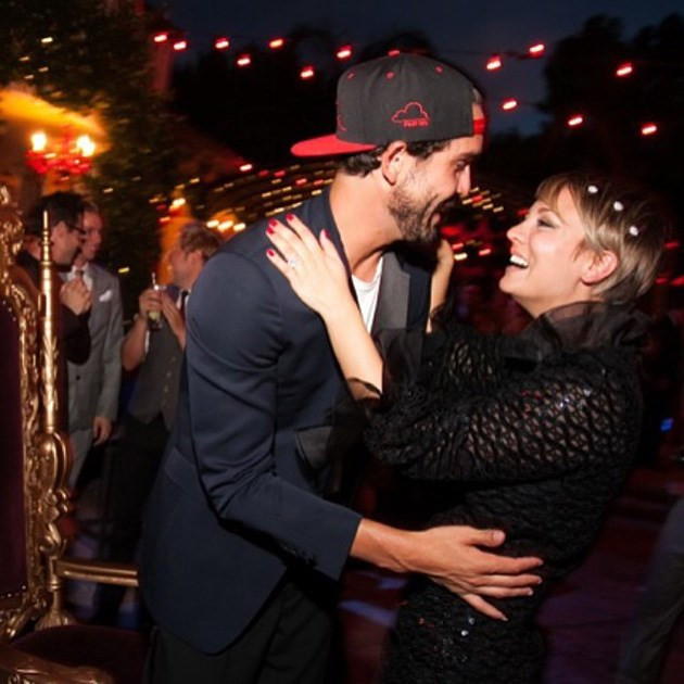 Kaley-Cuoco-Sweeting-Ueberraschungsparty-Ryan-Sweeting-3
