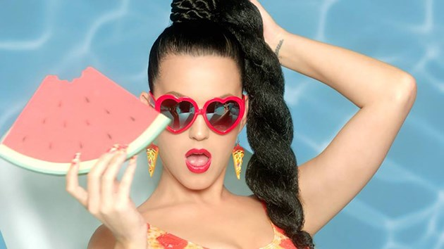Katy-Perry-This-Is-How-We-Do-It-Musikvideo
